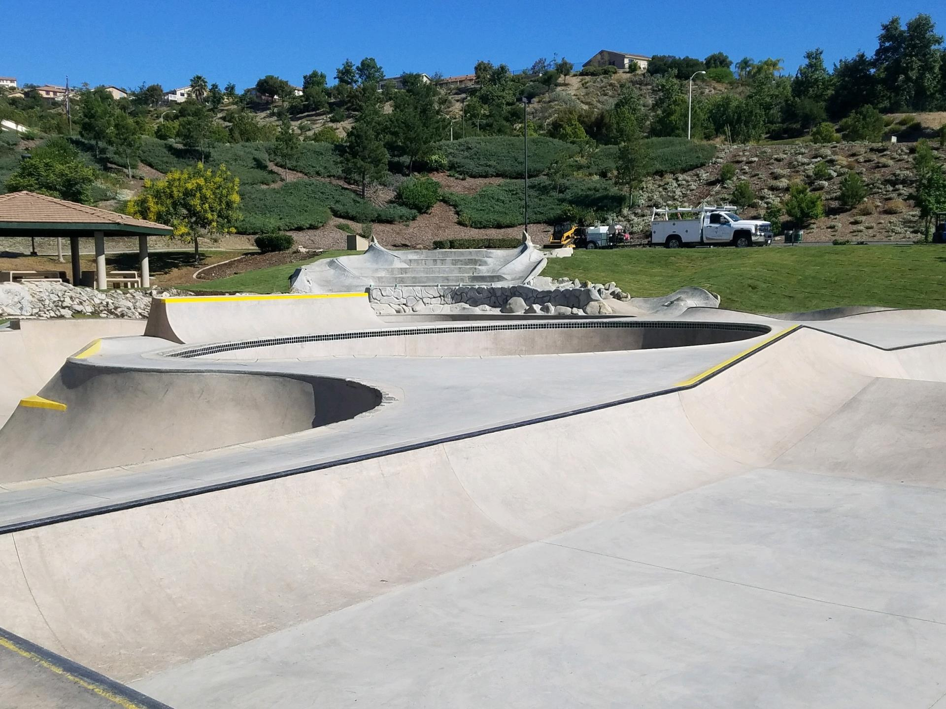 Skate Park Park to Bowls and unique drop in