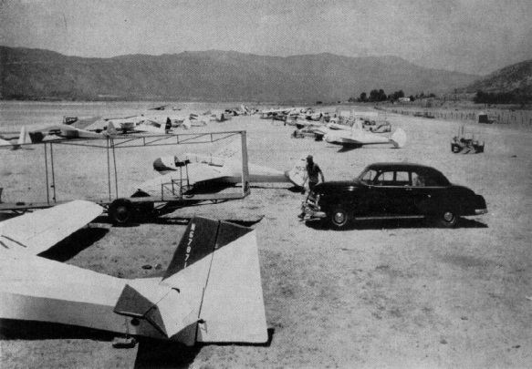 Elsinore Gliders On Ground